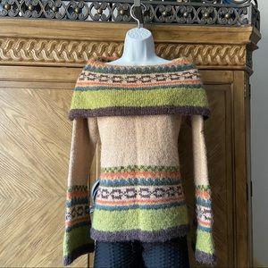 PERIKA Peruvian Trading CO. Green Multi Sweater